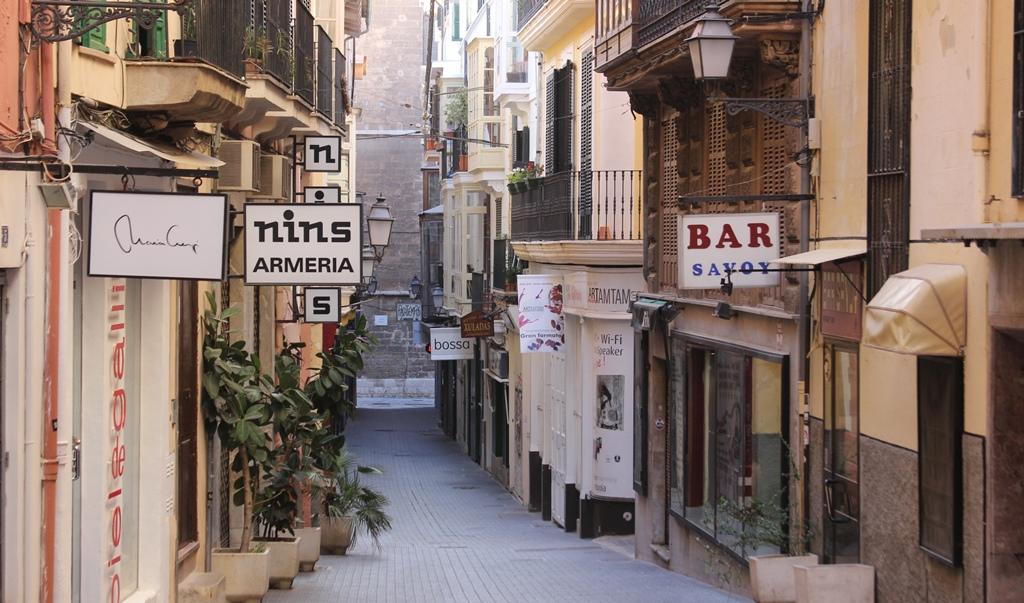Altstadt von Palma de Mallorca Gassen und alte Gebäude aus der Gründerzeit