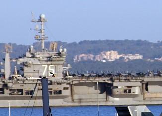 USS Truman in der Bucht von Palma de Mallorca