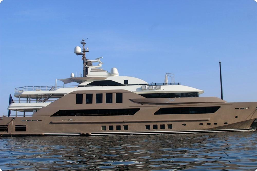 luxus yacht jade im hafen von puerto portals news blog portal mallorca. Black Bedroom Furniture Sets. Home Design Ideas