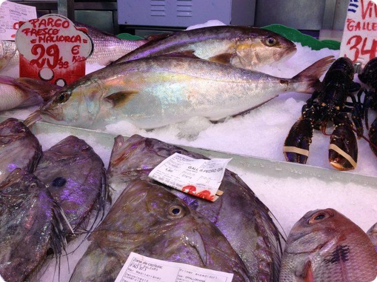 Fisch kaufen und zubereiten lassen in der Markthalle Santa Catalina